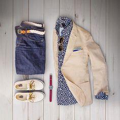 Summer layers and summer prints. #grabergrid  Denim: @bonobos  Belt: @kjp  Linen Blazer: @gantrugger  Indigo Shirt: @jcrewmens  Shades: @colehaan  Pocket Square: @jcrew  Watch: @timex  Shoes: @vans
