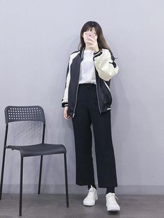 Korean Fashion Trends you can Steal – Designer Fashion Tips Korean Girl Fashion, Korean Fashion Trends, Ulzzang Fashion, Korean Street Fashion, Korea Fashion, Kpop Fashion, Asian Fashion, Fashion Outfits, Fasion