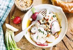 Rettich-Apfel-Salat mit Obatztem Camembert Cheese, Potato Salad, Potatoes, Snacks, Ethnic Recipes, Food, Lettuce Recipes, Apple, Appetizers