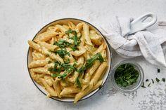 Palermon pasta Mozzarella, Apple Pie, Hummus, Food And Drink, Favorite Recipes, Pasta, Cheese, Dinner, Cooking