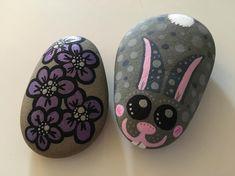 Easter fun  #easterbunny #bunny #rabbit #flower #kanin #blomst #paintingstones #paintingrocks #stones #rocks #malerpåsten