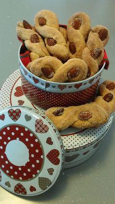 INTORCINATI DEL SALENTO Vegan Cake, Vegan Desserts, Biscotti Cookies, Cake & Co, New Cooking, Vegan Baking, Italian Recipes, Cookie Recipes, Sweet Treats