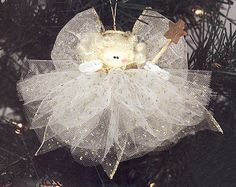 (pin links to entire page of great tulle crafts.) Fun little Christmas Angel made form tulle Christmas Angel Ornaments, Christmas Angels, Christmas Holidays, Christmas Decorations, Holiday Decorating, Angel Crafts, Christmas Projects, Holiday Crafts, Tulle Crafts