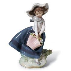 Fillette avec panier de fleurs, Lladro