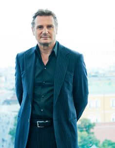Liam Neeson - so handsome. Love his voice, accent, height, everything Sneaker Rosa, Fila Sneaker, Liam Neeson, Time Lords, Rachel Weisz, Daniel Craig, Beautiful Men, Beautiful People, Natasha Richardson