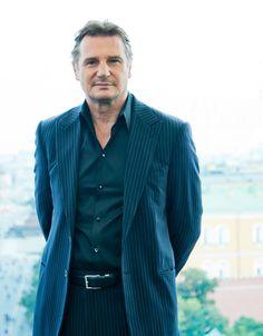 Liam Neeson - so handsome. Love his voice, accent, height, everything Sneaker Rosa, Fila Sneaker, Liam Neeson, Time Lords, Daniel Craig, Rachel Weisz, Beautiful Men, Beautiful People, Natasha Richardson