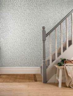 Choose luxury for your walls with 1838 Wallcoverings, grey feather wallpaper. Tranquil Mist is a subtle plumage of feathers with a soft sheen look Feather Wallpaper, White Wallpaper, What's Your Style, Dark Colors, Interior Styling, Mists, Aurora, Wall Decor, Contemporary