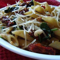 Simple Spring Picnic Recipe-Spinach and Sun-Dried Tomato Pasta