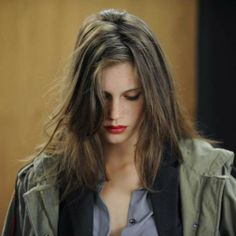 Anonymous said: Please could you help me find the dupe lipstick that marine vacht was wearing in jeune et jolie? Young And Beautiful, Beautiful People, Sam Page, Zooey Deschanel, French Actress, Messy Hairstyles, Pretty Face, Hair Inspiration, Messy Hair
