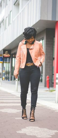 black jeans, black jean outfit idea, all black, moto jacket, gucci belt, open toe booties, street style