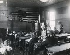 Students Serving Lunch in a classroom 1918 -- A scene where Ezra allows the girls in the school to serve lunch to everyone else(, after the girls learn about restaurants or something? Abc School, Old School House, Grammar School, Public School, School Fees, Rich Family, Poor Children, A Classroom, Stories For Kids