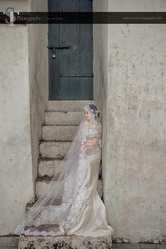 喜歡這樣經典復古的新娘寫真!  婚紗攝影: ST Photography  更多作品: http://www.loveproject.hk/weddinginspirations/?q=ST+Photography&gallery=yes