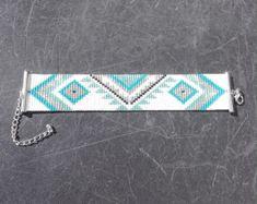 Cuff Bracelet with Miyuki beads loom Bead Loom Bracelets, Love Bracelets, Beaded Jewelry, Beaded Bracelet, Bijoux Diy, Loom Patterns, Loom Beading, Bead Weaving, Beaded Embroidery