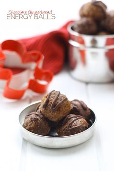 Chocolate Gingerbread Energy Ball @TheHealthyMaven #paleo