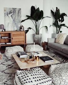 Comfy Modern Bohemian Living Room Decor and Furniture Ideas – Living Room Inspiration – Living Room Ideas My Living Room, Home And Living, Bean Bag Living Room, Living Room Without Tv, Small Space Living Room, Living Room Decor Cozy, Living Room Layouts, Cool Living Room Ideas, Modern Small Living Room