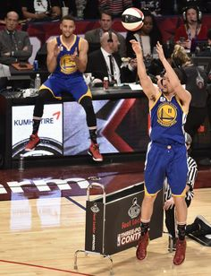 Klay Thompson - Stephen Curry all star 2016 triple contest Golden State Basketball, Basketball Is Life, Jordan Basketball, Golden State Warriors, 2016 Warriors, Curry Nba, Splash Brothers, Sport Nutrition, Nba League