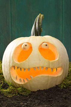26 Easy Pumpkin Carving Ideas for Halloween 2019 - Cool Pumpkin Carving Designs and Pictures Pumpkin Face Carving, Funny Pumpkin Carvings, Amazing Pumpkin Carving, Pumpkin Painting, Small Pumpkin Carving Ideas, Pumpkin Ideas, Pumpkin Carving Templates, Zombie Pumpkins, Funny Pumpkins