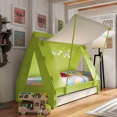 Com uma cama assim as crianças dificilmente vão fazer birra na hora de dormir. Feito artesanalmente, esse móvel pode ser comprado pela internet, neste site: http://www.cuckooland.com/dnc/cuckooland/product/43260/tent-childrens-bedroom-cabin-bed-in-green