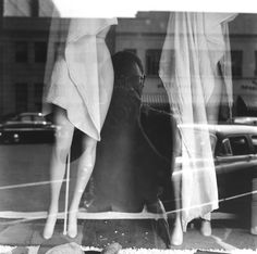 Selfportrait by Saul Leiter, 1949)