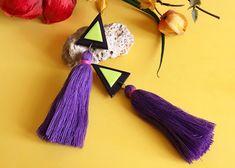 Pendientes geométricos con fleco largo colgante a dos colores de Garre Design. Drop Earrings, Etsy, Makeup, Jewelry, Design, Earrings, Pendants, Hand Made, Colors