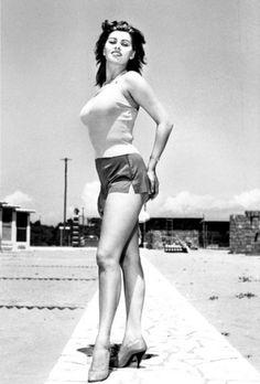 Sophia Loren...real women have curves!!!