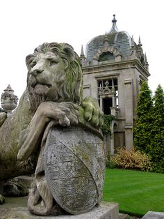 Lion at Harlaxton Manor Garden Pavilion, Fu Dog, England Ireland, Ghost Stories, Historic Homes, East Coast, Beautiful Places, Lion Sculpture, Leeuwen