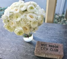 White garden roses and ranaculous