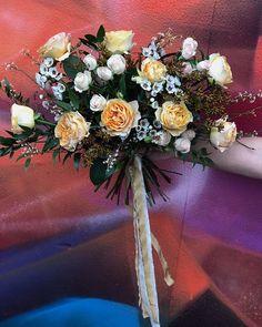 Wedding Flowers, Floral Wreath, Wreaths, Table Decorations, Home Decor, Decoration Home, Room Decor, Bouquet, Wedding Ceremony Flowers