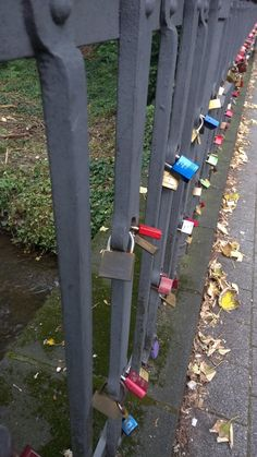 "Kjerlighetsbro i Neuss (Düsseldorf) - ""Bridge of love"""