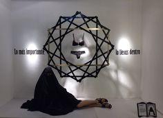 #Detalle #Ártidi #escaparate #conceptual #granformato #artistascontemporaneos #aidansalakhova Realizado por los alumnos del Grupo A, del Máster de Escaparatismo y Visual Merchandising