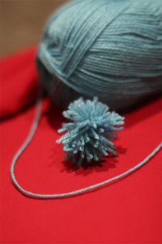 Projectville: Craft, DIY, Art, and Beauty: DIY Yarn Puffballs