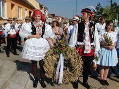 folk costume - Kroj - Jižní Morava - Vracov - Dožínky