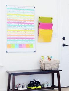 19 Small-Space Home Gym Hacks You Need to Keep Those Resolutions Going | Brit + Co. Design Scandinavian, Basement Gym, Garage Gym, Basement Ideas, Garage Studio, Garage Plans, Garage Ideas, Gym Decor, Wall Decor