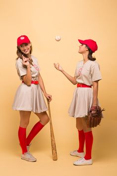 The Rockford Peaches Want You! If you love the classic 1992 baseball movie A League of Their Own, then there's no doubt that you'll want to go out this year for Halloween suited up and ready to take any position that Jimmy Dugan, the coach of The Rockfor Partner Halloween Costumes, Fete Halloween, Cool Halloween Costumes, Diy Costumes, Adult Costumes, 1950s Costumes, 80s Movie Costumes, Girl Group Costumes, Woman Costumes