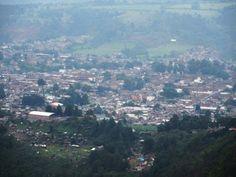 El Pueblo Mágico de Pátzcuaro visto desde el Cerro del Estribo