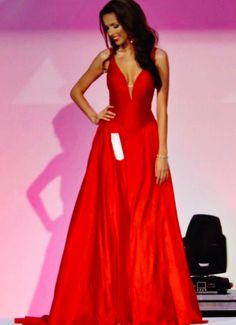 Jovani stunning pageant gown. Red, full skirt pageant dress. Prom ...