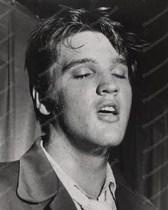 Elvis Presley Close Up 1950s 8x10 Reprint Of Old Photo