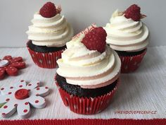 Obrázek Brownie Cupcakes, Mini Cupcakes, Baked Goods, Tea Time, Cheesecake, Food And Drink, Sweets, Desserts, Pizza