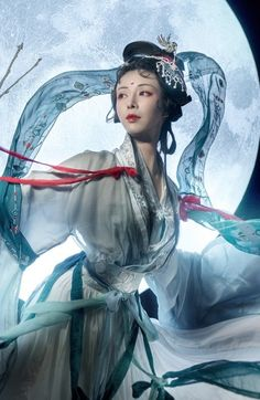 """Hanfu photoset via coser小梦, Part "" According to Chinese legend, the white Jade Rabbit (玉兔) is a companion to the beautiful moon goddess Chang'e (嫦娥), and pounds the Elixir of Life for her with. Beautiful Fantasy Art, Beautiful Moon, Hanfu, China, Pretty Korean Girls, Japanese Photography, Illusion Art, Moon Goddess, Chinese Clothing"