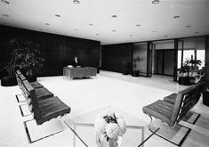 How Mies van der Rohe's creation remains a declaration of grandeur and an optimistic statement of Toronto's arrival on the world stage Now Magazine, Outdoor Furniture, Outdoor Decor, Sun Lounger, Centre, Home Decor, Chaise Longue, Decoration Home, Room Decor