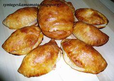 Πιτάκια με ζύμη γιαουρτιού Greek Cheese, Pretzel Bites, Bread, Food, Breads, Baking, Meals, Yemek, Sandwich Loaf