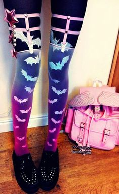 Pastel Goth Purple Shade Kawaii Bats Leggings - http://ninjacosmico.com/12-ways-rock-pastel-goth-leggings/