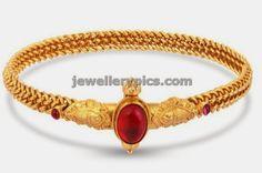 4 Divine Gold bangles at Malabargold - Latest Jewellery Designs