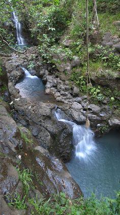 Waimano Pool Trail, Pearl City   3m hike, w/ a huge payoff at the end of Komo Mai Drive.