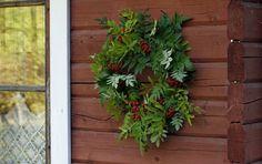 Rowan Wreath Rowan, Outdoor Structures, Wreaths, Plants, Diy, Bricolage, Diys, Planters, Handyman Projects