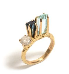 yellow gold ring set with aquamarine, sapphire and milky diamond by Pieces of Eight artist Tessa Blazey, as part of her Heroes and Villains exhibition. Dainty Jewelry, Boho Jewelry, Jewelry Art, Jewelry Gifts, Silver Jewelry, Jewelry Design, Simple Jewelry, Contemporary Jewellery, Modern Jewelry
