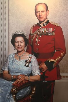 Queen Elizabeth II and The Duke of Edinburgh (Prince Phillip) and her Patek Phillipe Ellipse Ref 3748 Prince Philip Queen Elizabeth, Queen And Prince Phillip, Princess Elizabeth, Duchess Of York, Duchess Of Cambridge, George Vi, Marine Royale, Prinz Philip, Prince Héritier