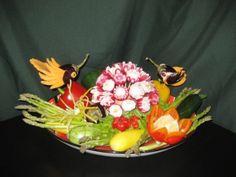 Vegetable Platter Veggie Platters, Healthy Fruits, Vegetables, Eat, Dream Wedding, Beautiful, Veggie Dishes, Vegetable Recipes
