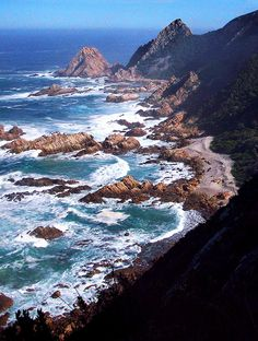 View of the coast at Kranshoek, Garden Route National Park, South Africa. Places To Travel, Travel Destinations, Places To Visit, Wonderful Places, Beautiful Places, Costa, Garden Route, Road Trip, Out Of Africa