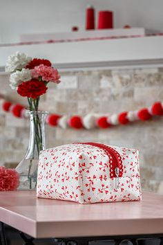 Just in time for Valentine's Day, Misty is back with a quick and easy project featuring Missouri Star Fancy Zips on the replay of Missouri Star LIVE! Follow the link below to watch the replay now! #MissouriStarQuiltCo #MissouriStarLive #ValentinesDay #FancyZips #BagMaking